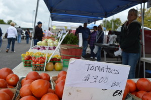 Farmers market season continues in Eastern Iowa