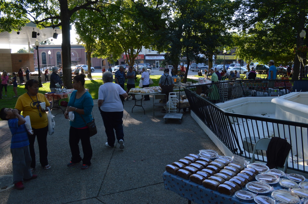 The Washington Farmers Market is held in the city's Downtown Central Park, at Washington Street and Iowa Avenue, on Thursdays from 5-7:30 p.m. (photo/Cindy Hadish)