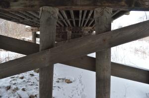 A bridge adds rustic charm to the scenery along the Sac & Fox Trail in Cedar Rapids, Iowa, (photo/Cindy Hadish)