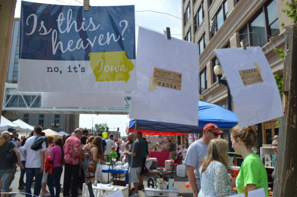 The weather was certainly heavenly for the opening day of the 2015 Downtown Farmers Market, which is celebrating its 10th anniversary season this year. (photo/Cindy Hadish)