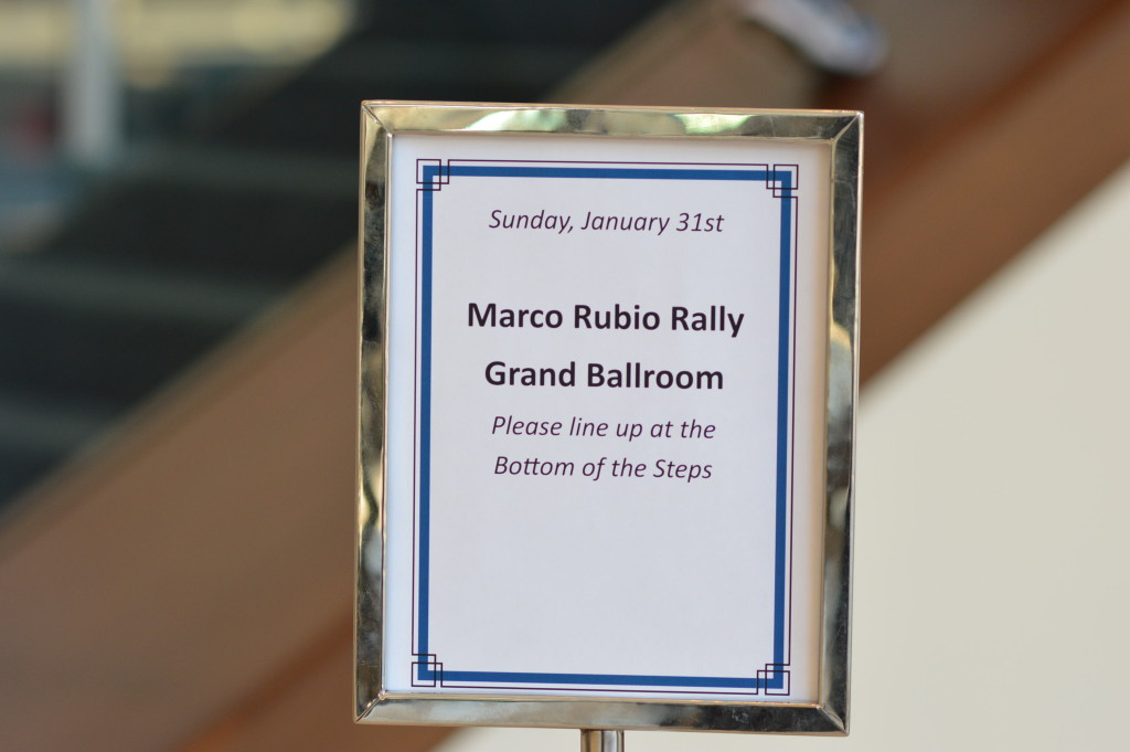 c rubio rally sign