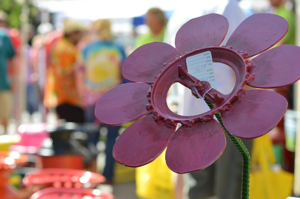 In addition to jams and jellies, Tatonka Farm of Dunkerton, Iowa, sold metal sculptures at the Downtown Farmers Market in Cedar Rapids. (photo/Cindy Hadish)